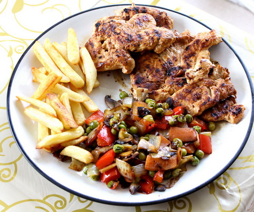 Grilled Chicken with Vegetables and Baked fries